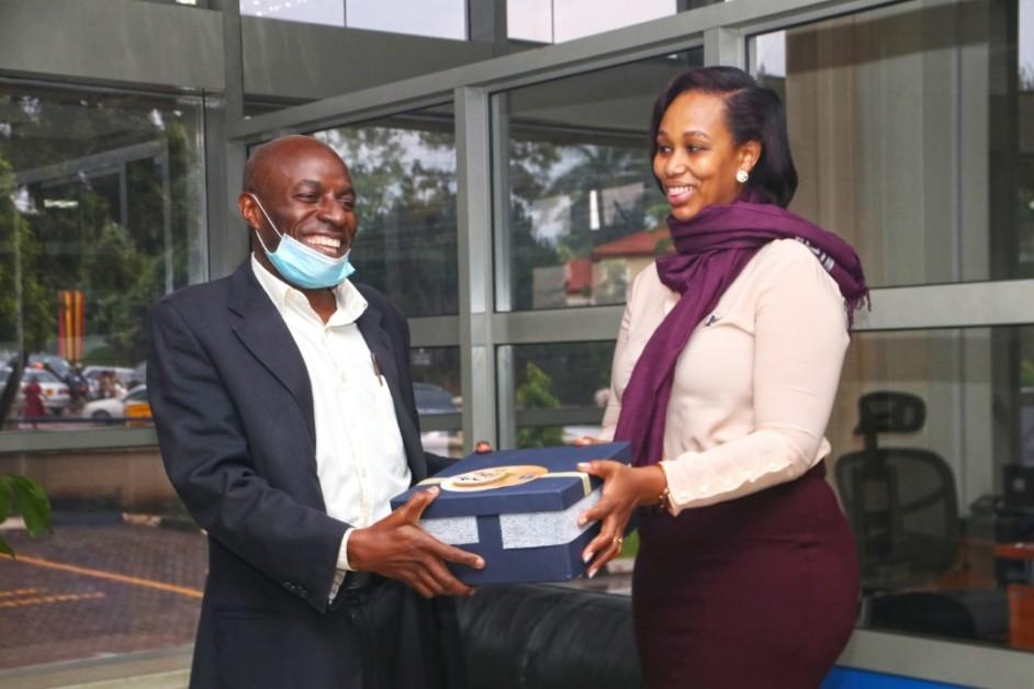 Housing Finance Bank customer receiving gift hampers